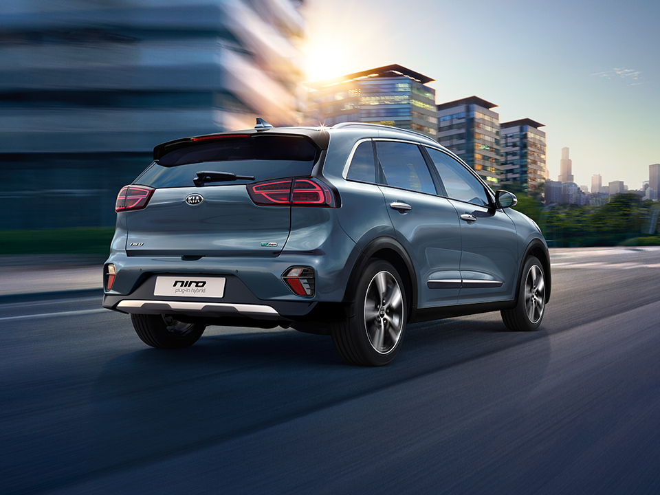 Kia Niro Plug-in Hybrid rear driving