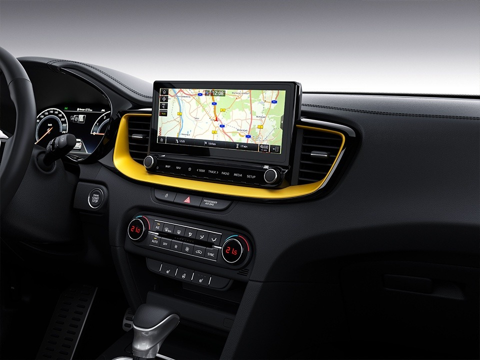 "Kia XCeed  10.25"" touchscreen navigation"